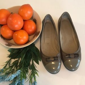 NWOT Ecco Size 9 Gray Leather Flats Loafers